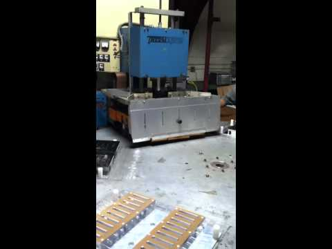 clamshell-packaging-rf-sealing-video